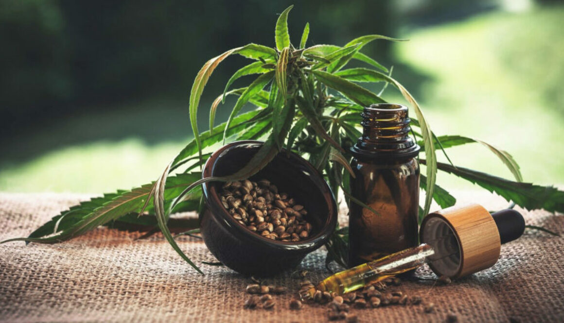 4 factors to use CBD hemp oil on your face every day